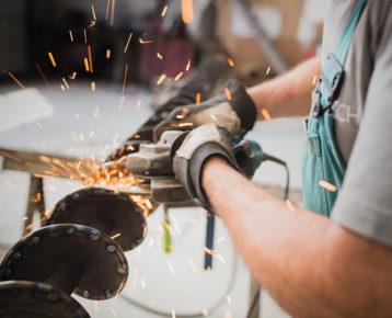 Volné pracovní pozice ve společnosti Dibaq. Práce ve výrobě, administrativě i obchodu.